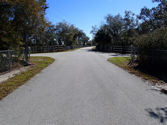 Trail crossroads in N. Anclote River Nature Park