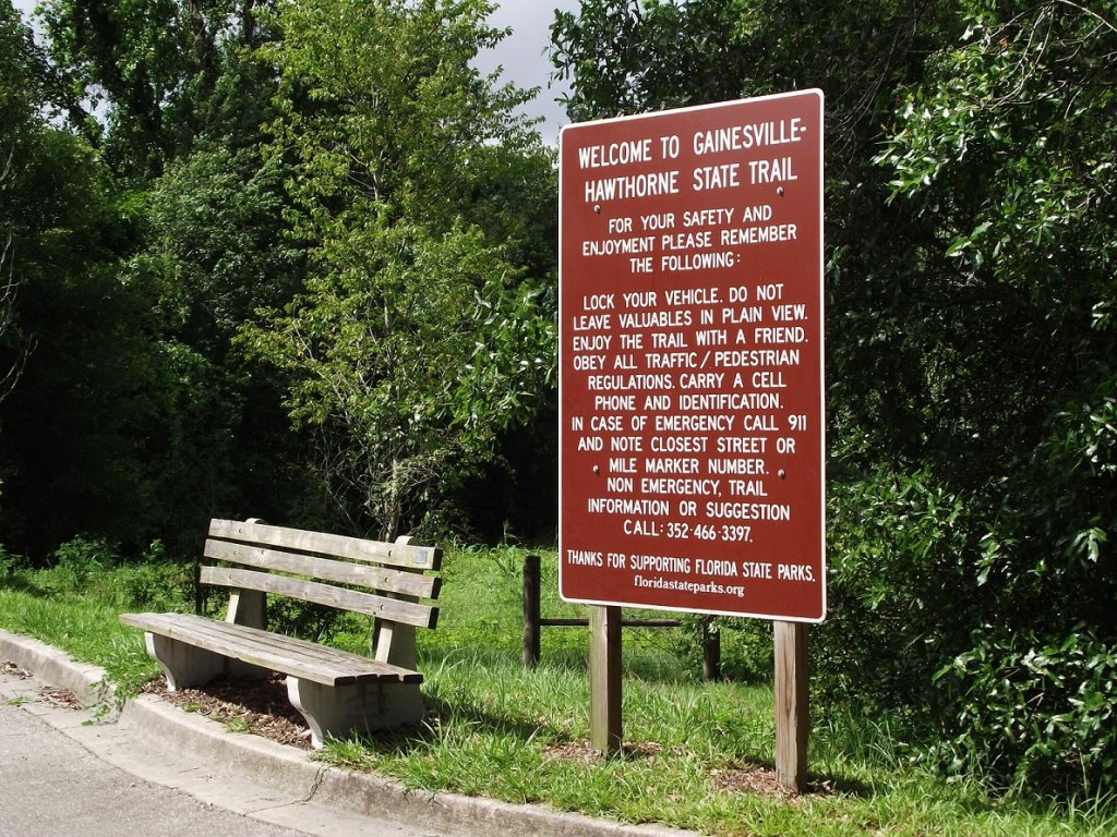 Hawthorne Trailhead Sign