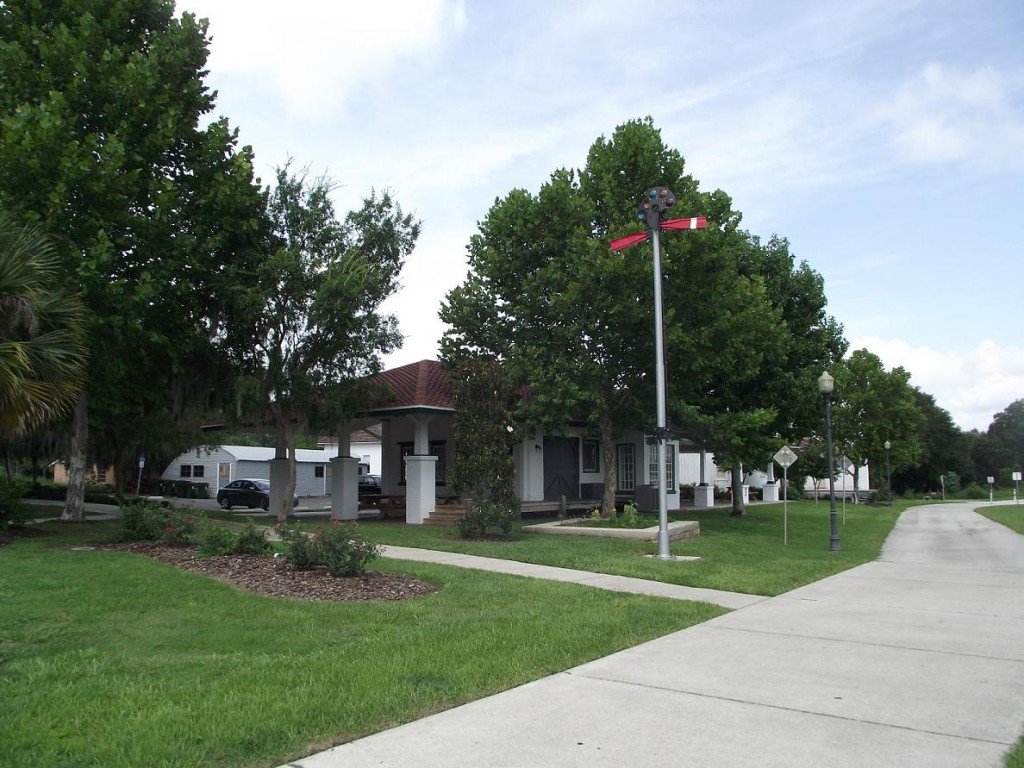 Lake Minneola Scenic Trail - Train Depot
