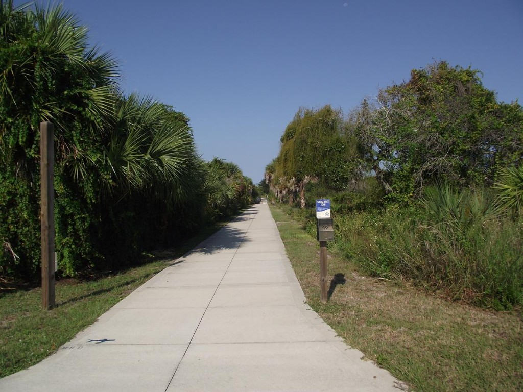 Venetian Waterway Park - Path of Caspersen Beach