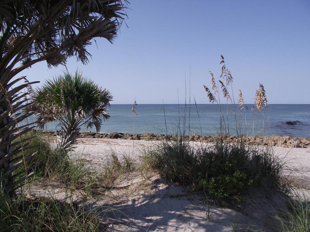 Venetian Waterway Park - Caspersen Beach