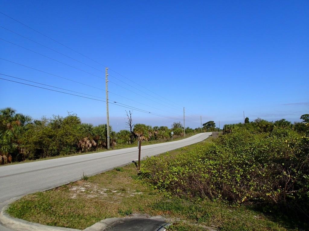 North Bay Trail - Weedon Island Drive