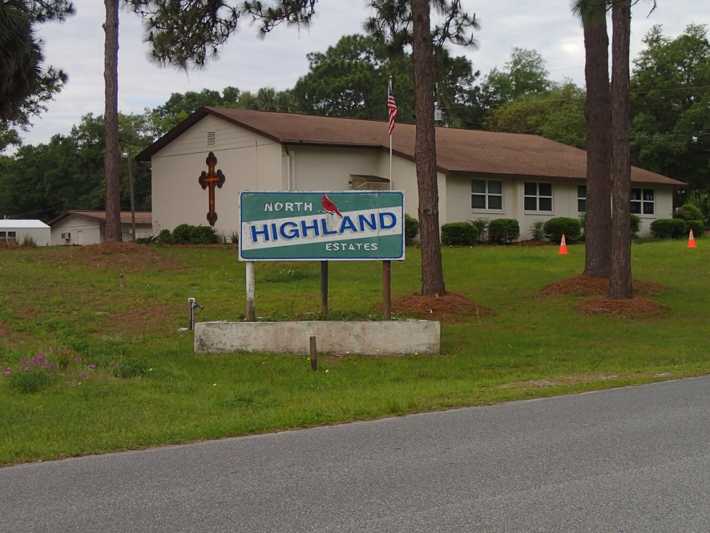 Withlacoochee State Trail - North Highland Estates Sign